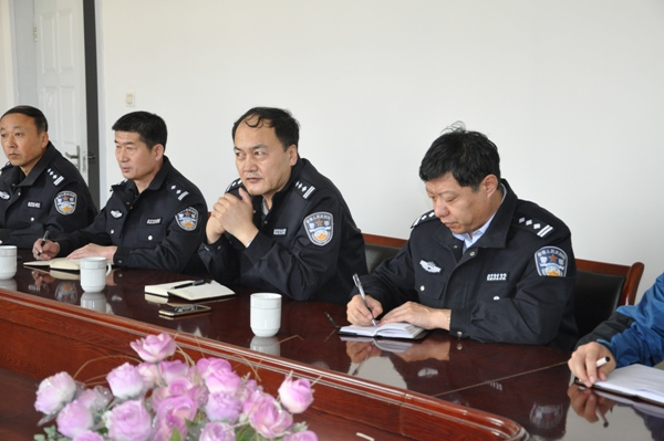 公安厅警务督察总队副总队长战志勇一行莅临固阳县公安局检查指导工作